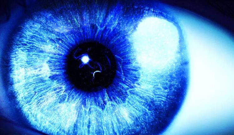 Luce blu: gli effetti benefici e nocivi della luce