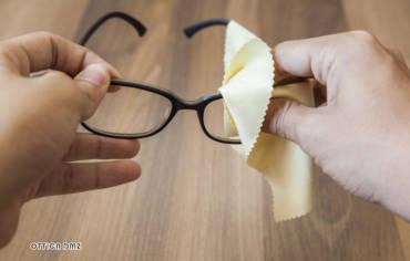 Consigli per la cura delle lenti oftalmiche.